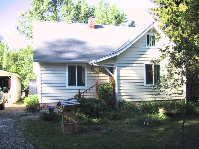 Farmhouse front 703