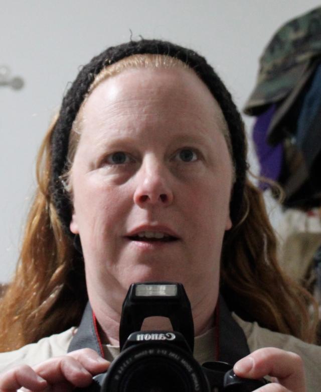 donna in headband