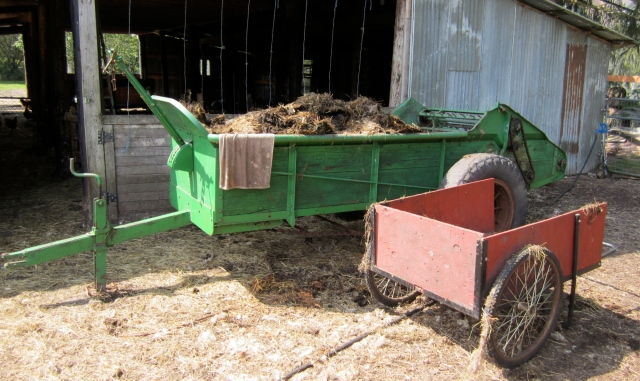 manure spreader and cart