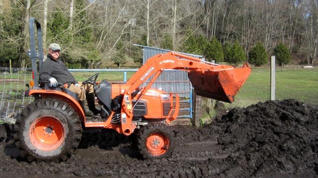 Tom tractor mud