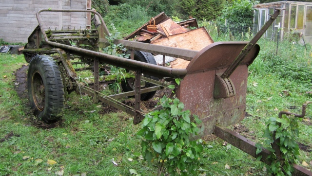 scrap manure spreader