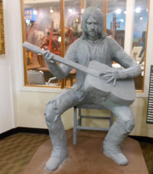 Cobain status at history museum