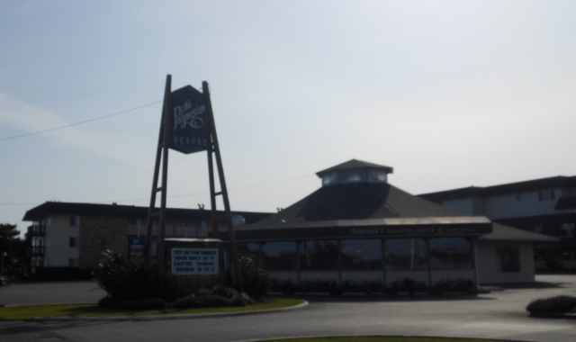 The Polynesian in Ocean Shores
