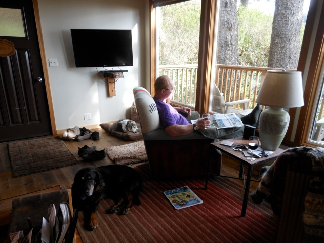 Tom and Mo relaxing in Iron Springs cabin