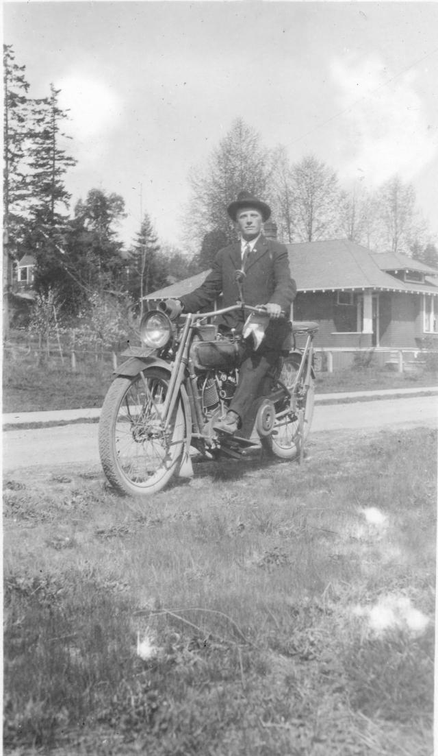 Emil in Preston motocycle (3)
