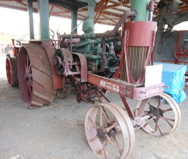 Avery Gas-Oil tractor