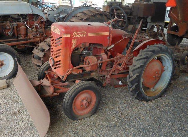 Gibson Super tractor