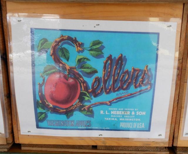 Sellers apple box label