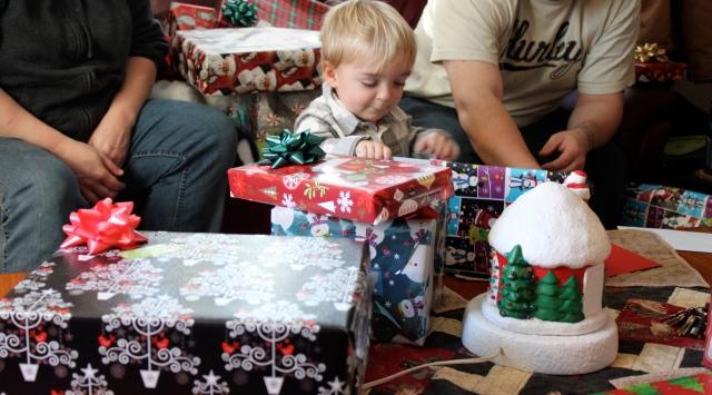 william-opening-presents