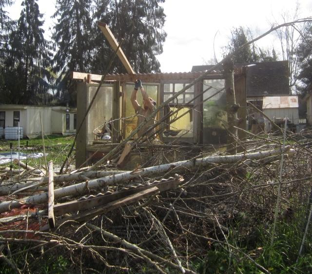 fixing greenhouse roof