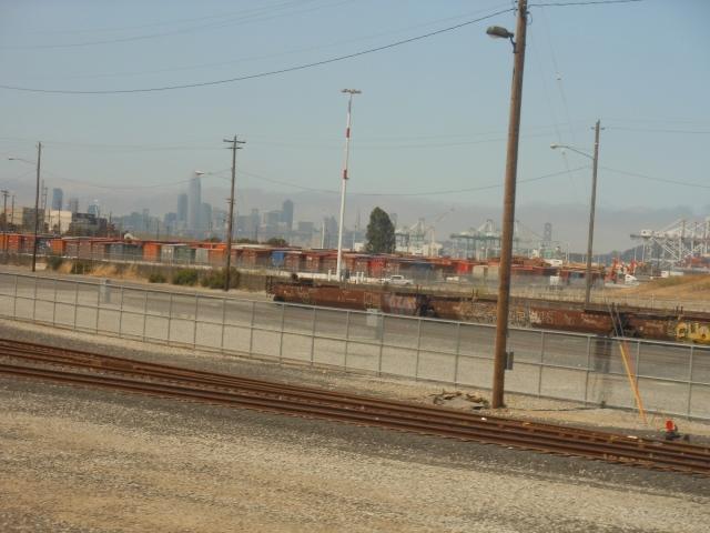 San Francisco behind Oakland Port