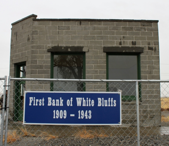 First Bank of White Bluffs