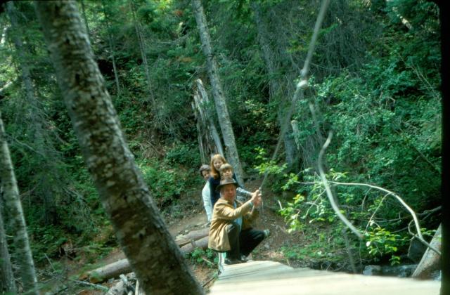 scan0031 1975 hike john ruth greg donna