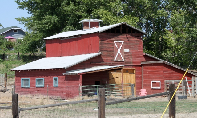 Naches highway barn