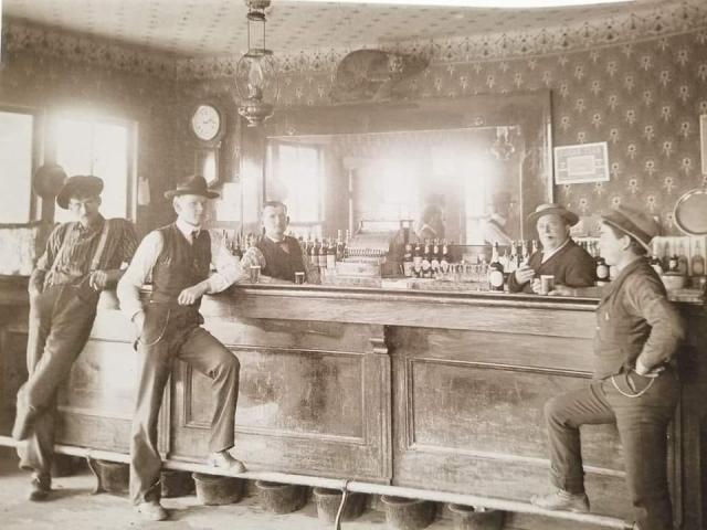 A saloon in Edison washington. My great grandfather JJ Sullivan is on the far left.